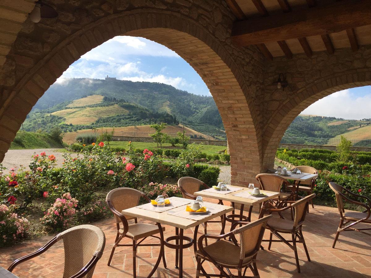 La terrazza della colazione di Podere Marcampo Agriturismo e Azienda Agricola