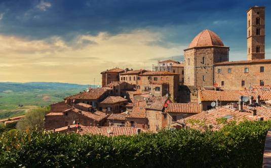 Volterra, città medievale